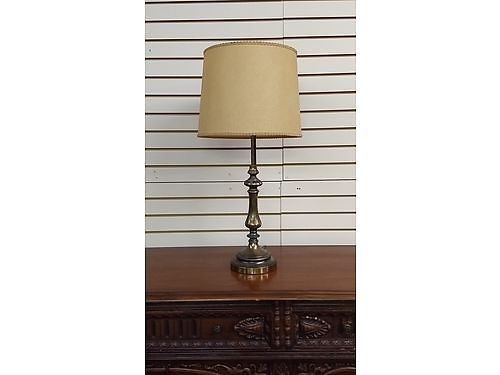 LAMP Vintage Antique Brass Lamp 1 Owner original with original shade 25 Knoxville 865-242-151
