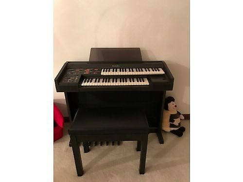 KEYBOARD by Technics wstand  bench many functions  features 60 Powell 865-230-8485 See pho