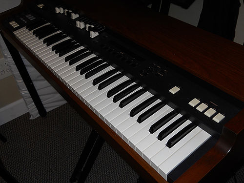 ORGAN KORG CX3 used very little incl new case manual  expression peddle waterfall keys 900 ob