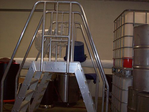 PLATFORM LADDER Aluminum can be bolted to floortrailer 90 from top rail to the floor Floor to