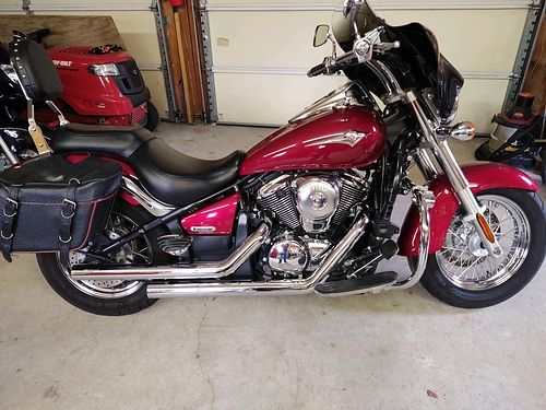 2007 KAWASAKI VULCAN 900 low miles good tires very good condition 3200 cash only