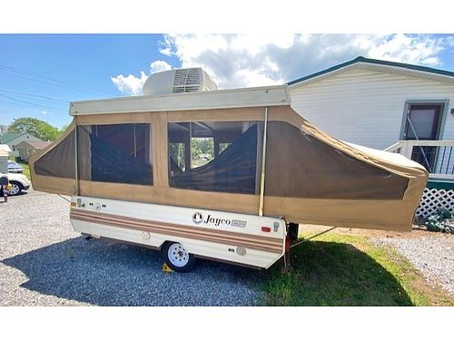 1987 JAYCO DELUXE 1006 POP UP 10 Sleeps 6 KingFull Beds Lots New too much to list Incl AC