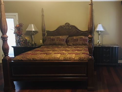 BERNHARDT BEDROOM SUIT king size bed with Serta perfect sleeper 2 nightstands with marble tops 60